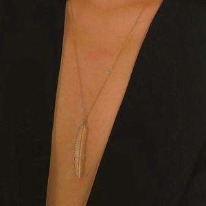 5/$12 💞 Long Gold Feather Boho Necklace